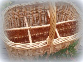 Vintage Country Cottage Wicker Wine Basket