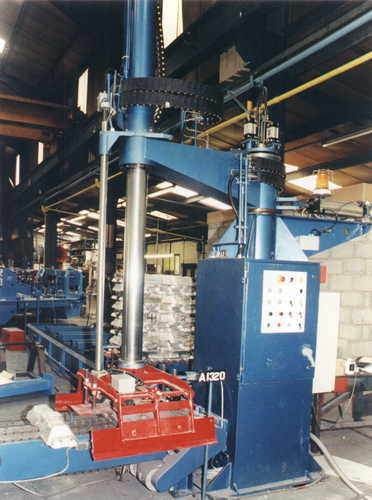 radial arm stacker