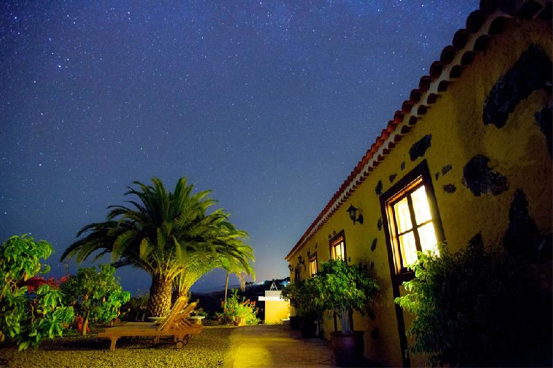 casa rural self-catering astronomy night skies near walking routes la palma