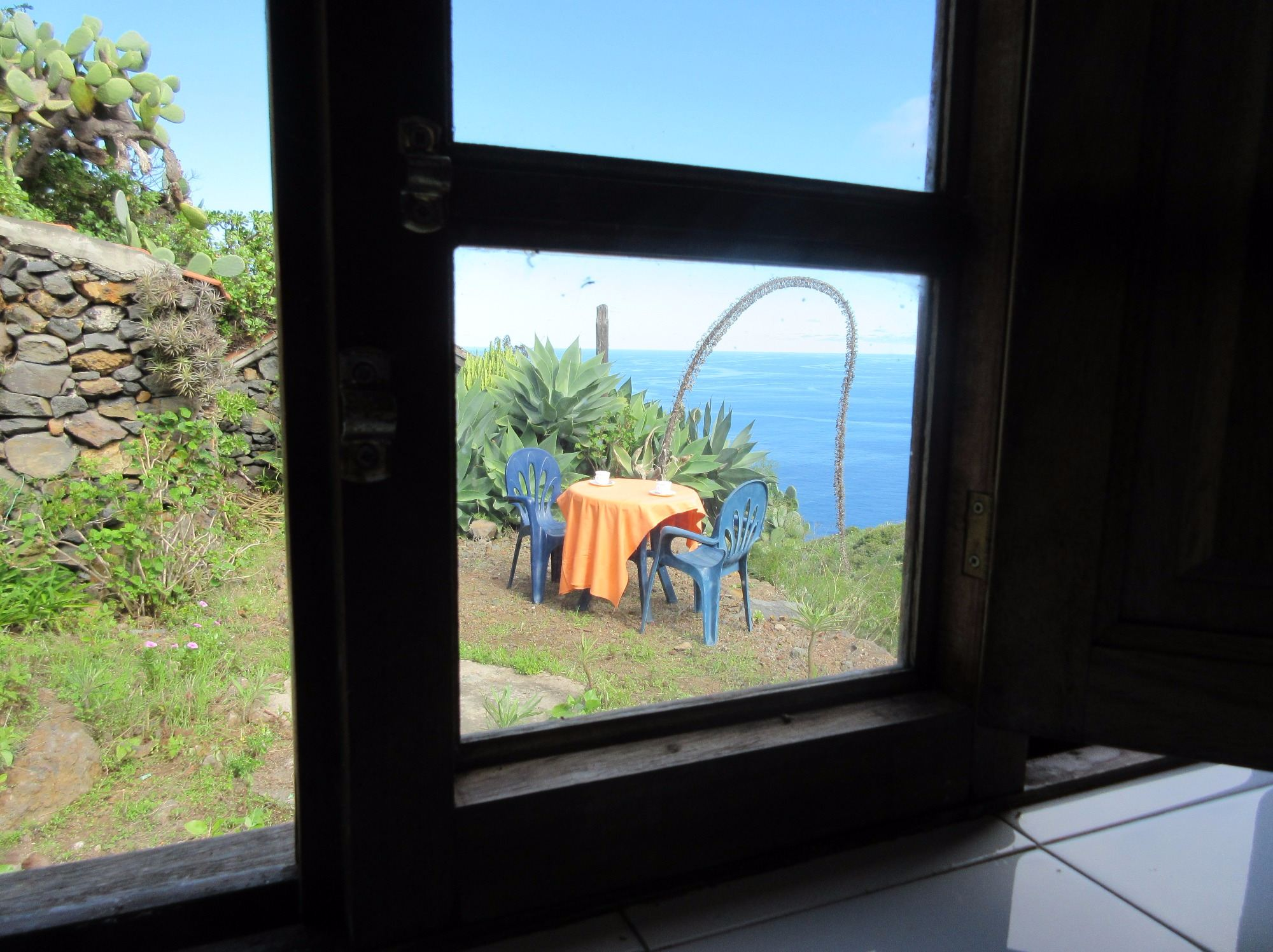 self-catering holiday cottage to rent garafia la palma