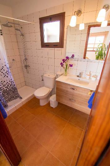 casa juanita bathroom