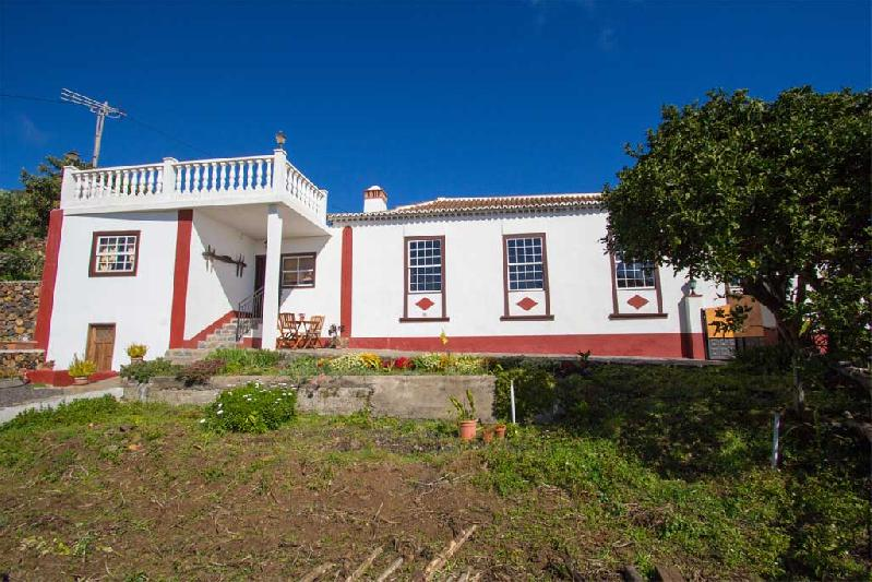 casa juanita exterior rural holiday cottage canaries