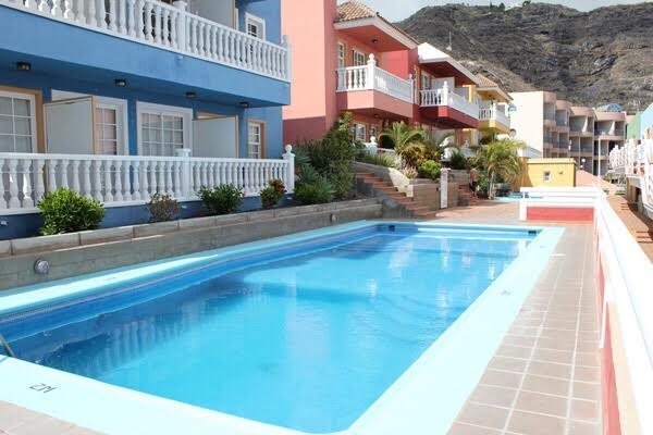 apartment with pool puerto naos