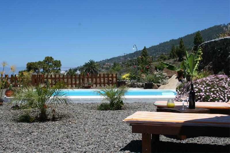 rural house with swimming pool and gardens la palma