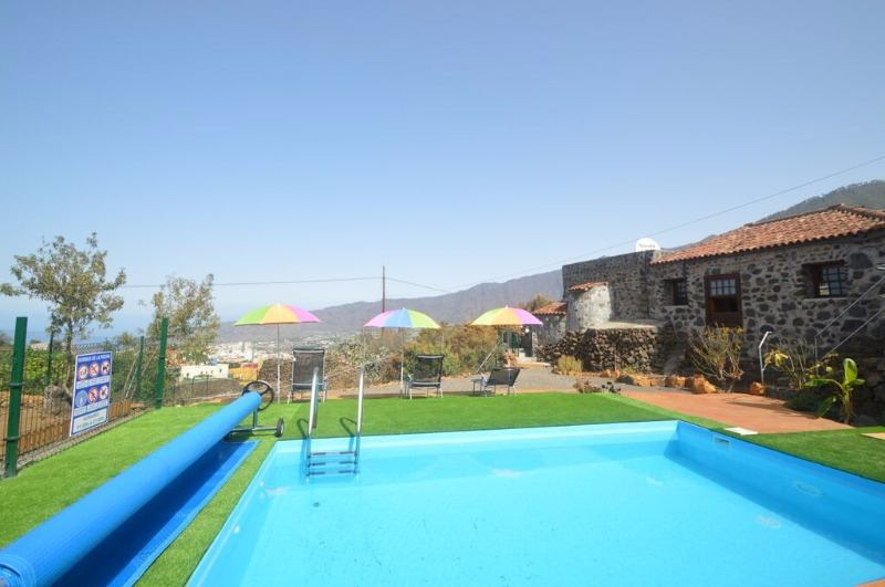 Rural house with swimming pool Puntagorda