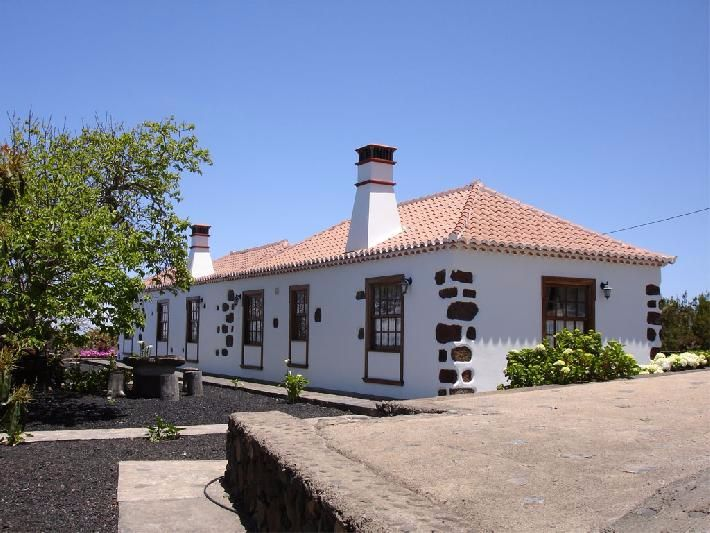family house north la palma