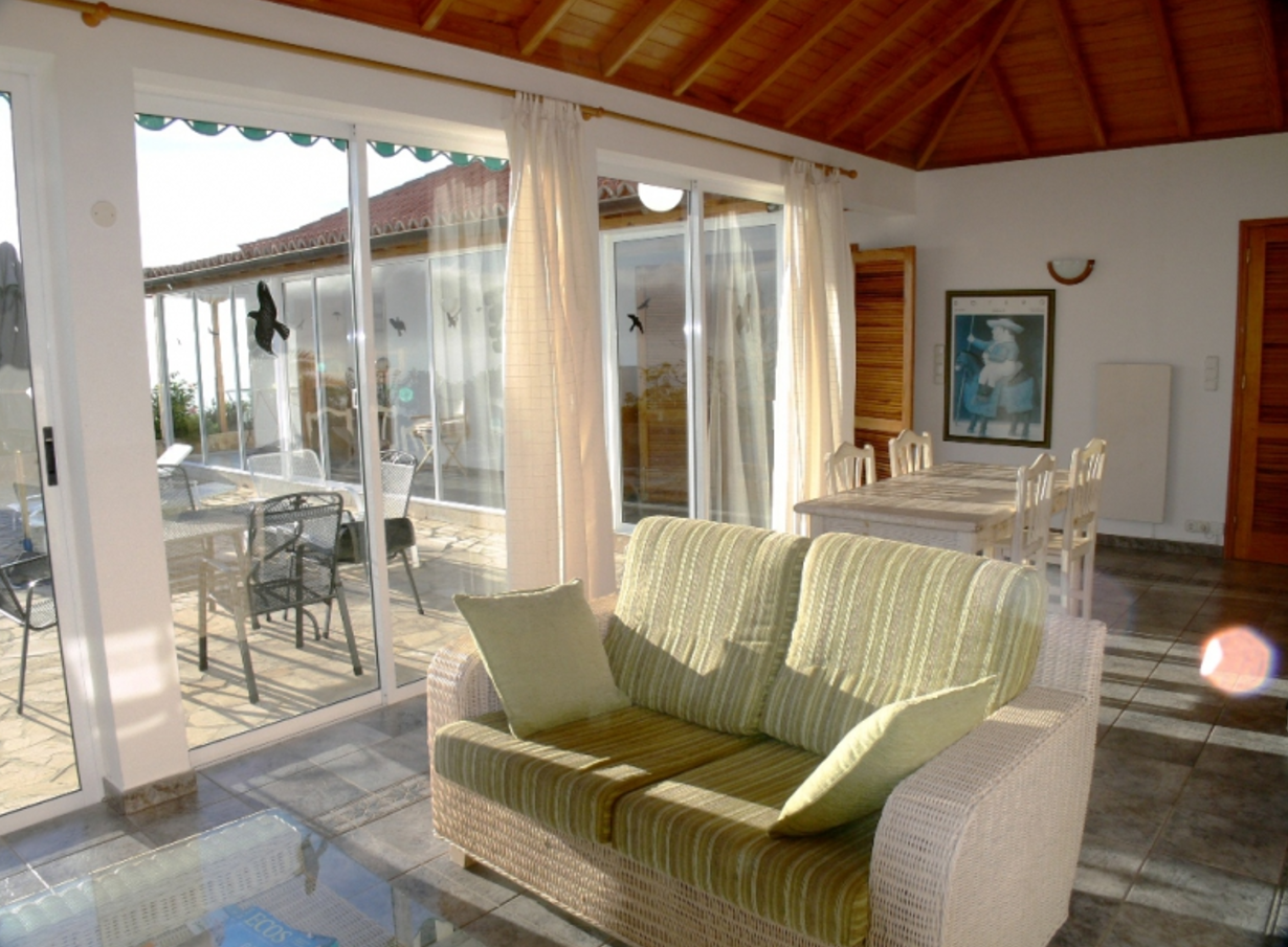 Villa sleeps 4 plus persons, two lounges, two bathrooms