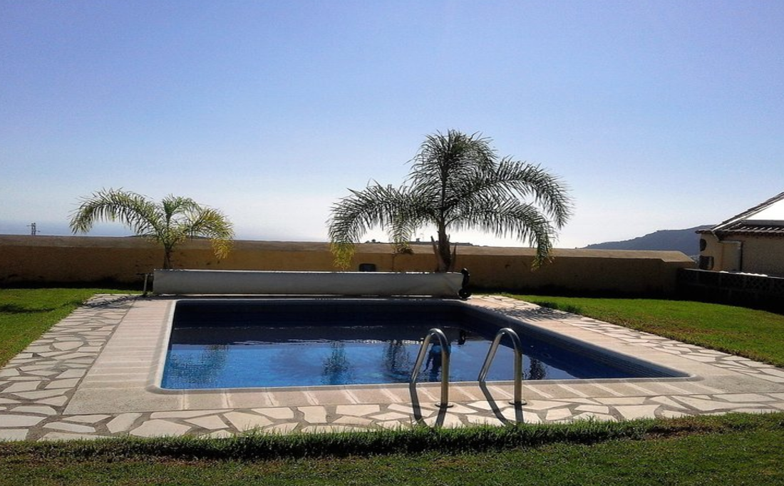 Private house with swimming pool Los Llanos sleeps 6