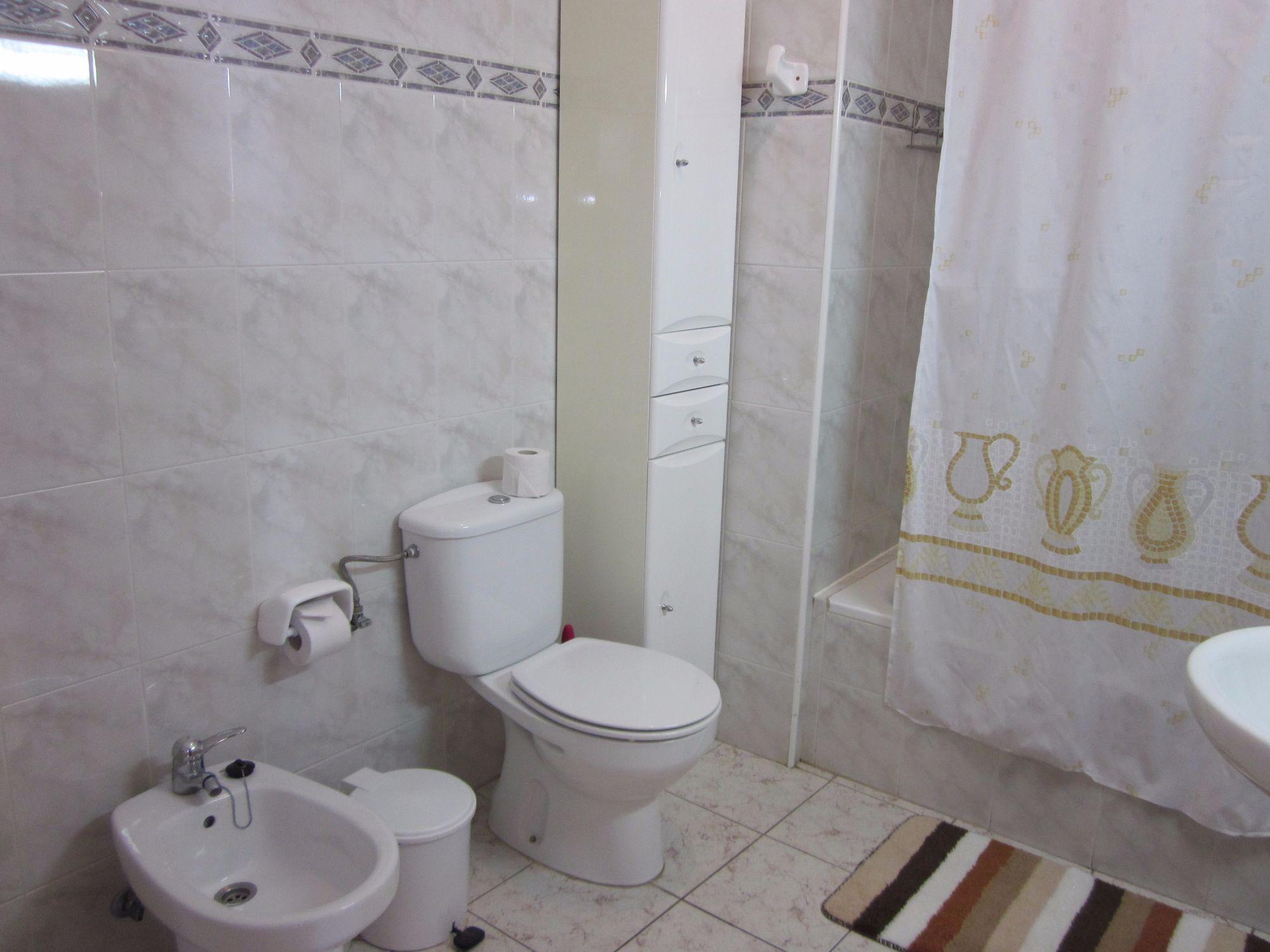 En suite bathroom kikere apartments Tazacorte