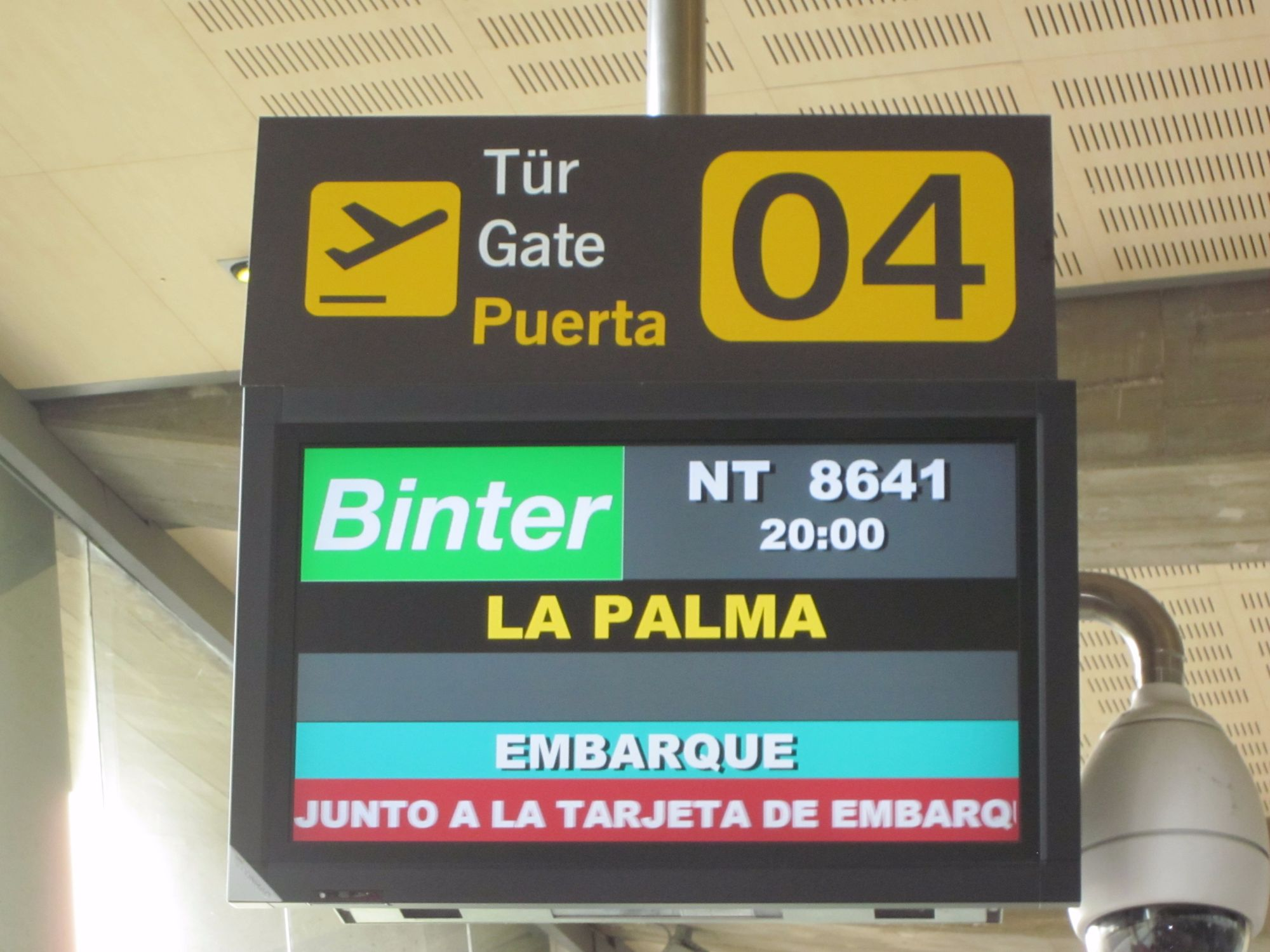 Flights to La Palma from Tenerife and Gran Canaria