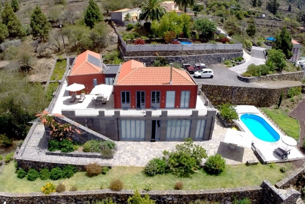 house with private swimming pool la palma
