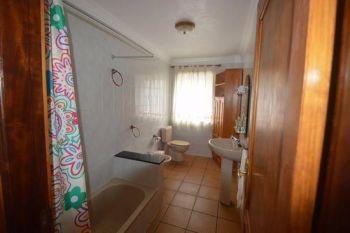 Casa Peluquina bathroom 1