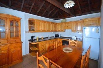 Casa Peluquina kitchen new