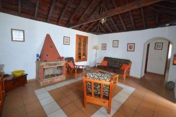Casa Peluquina lounge new 2