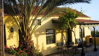 Casa Retamar exterior front