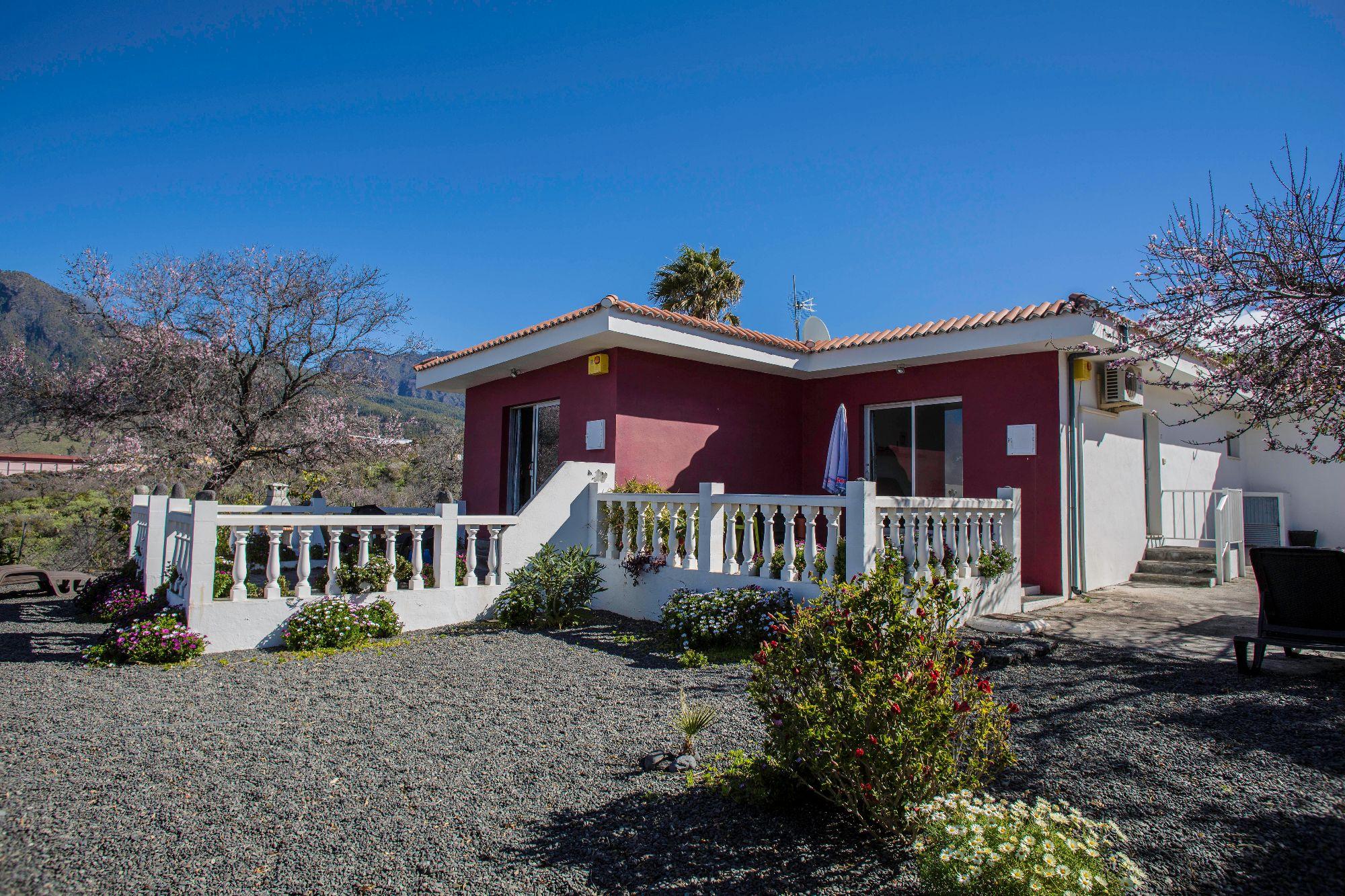 exterior bungalow el paso ideal for families