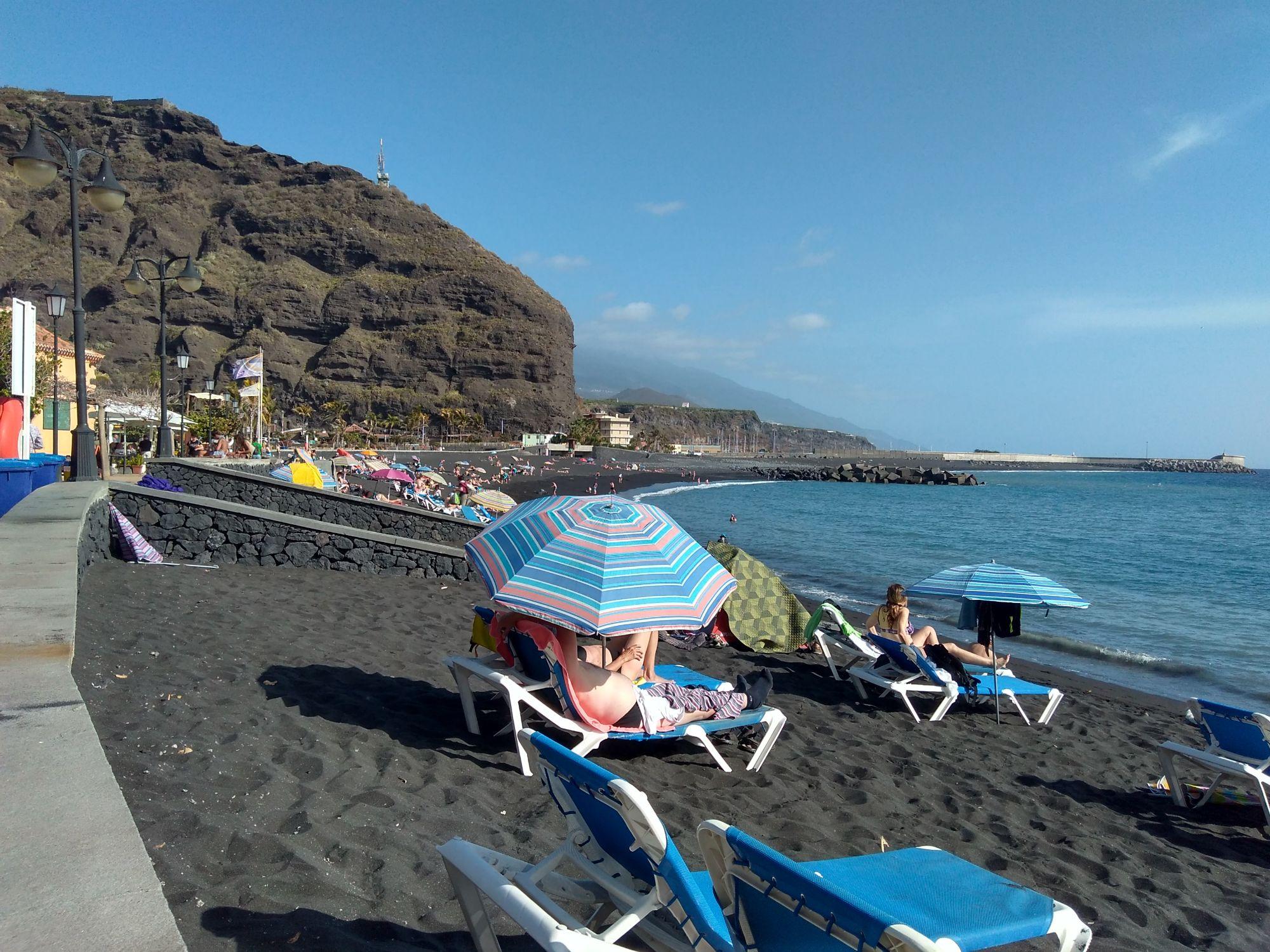El Puerto beach, Tazacorte
