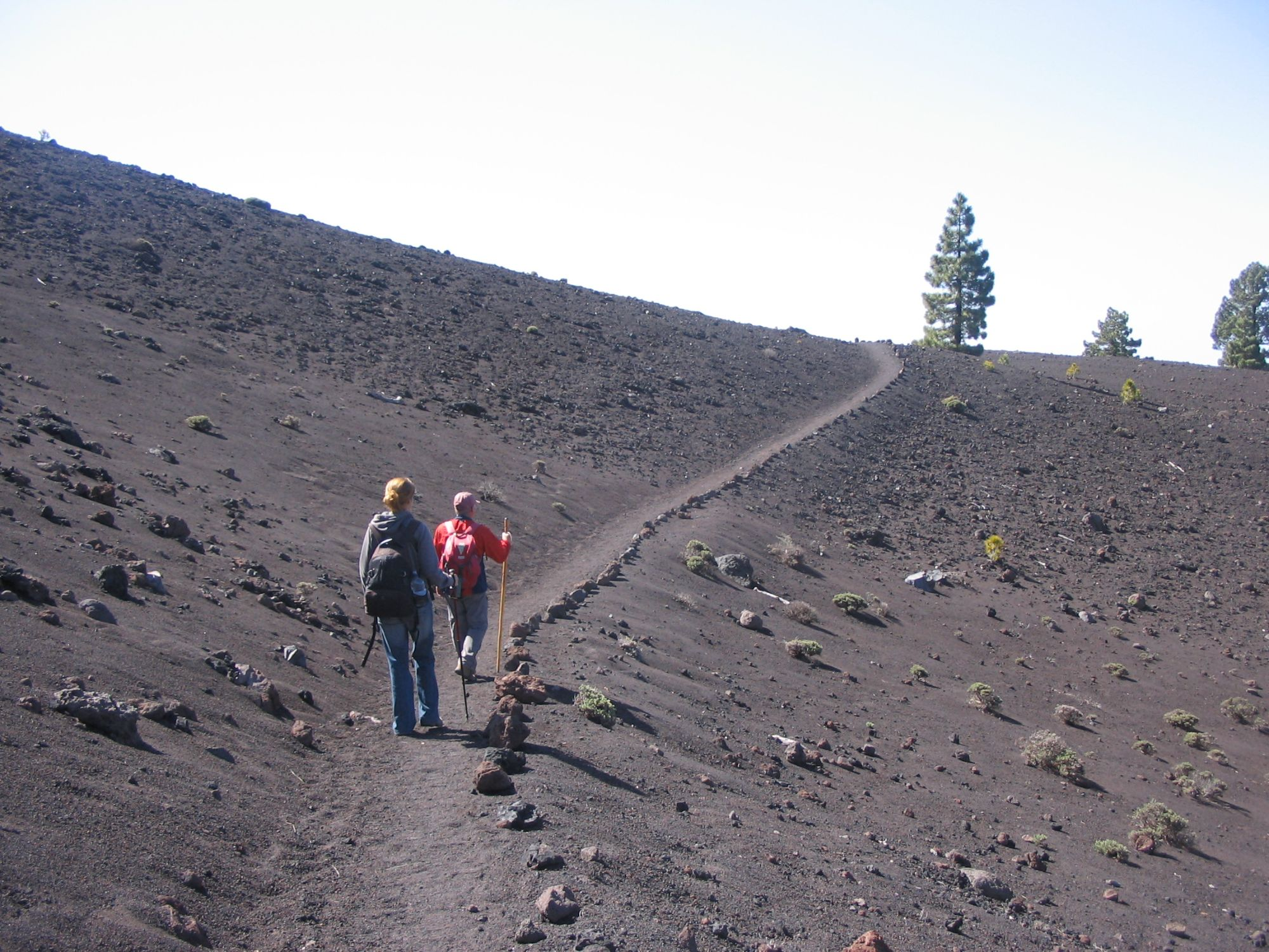 walking the volcano route la palma