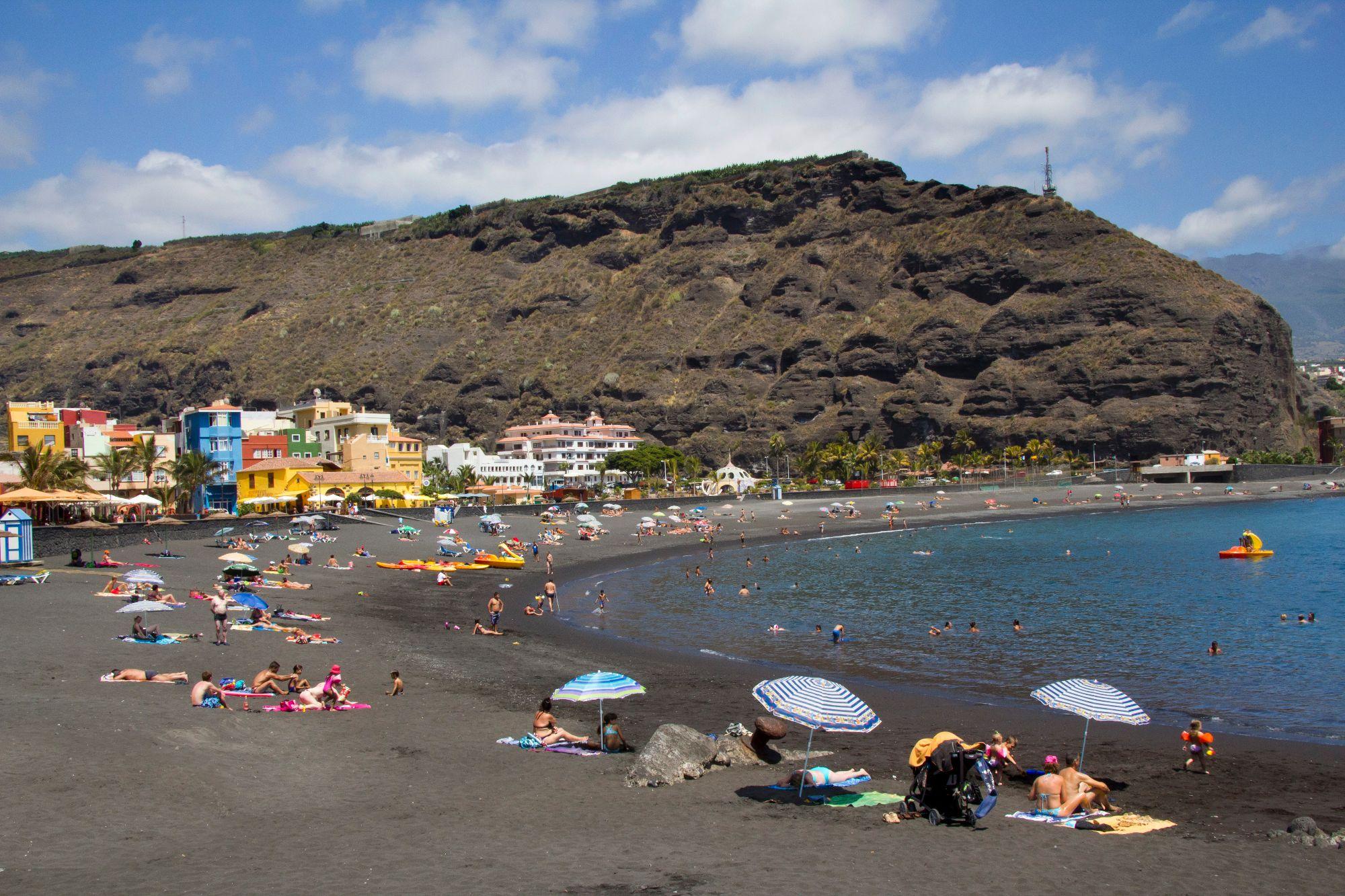 Puerto de Tazacorte beach playa