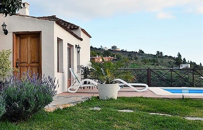 Self-catering cottage Tijarafe la Palma