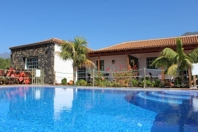 Bungalows with swimming pool las norias puerto naos