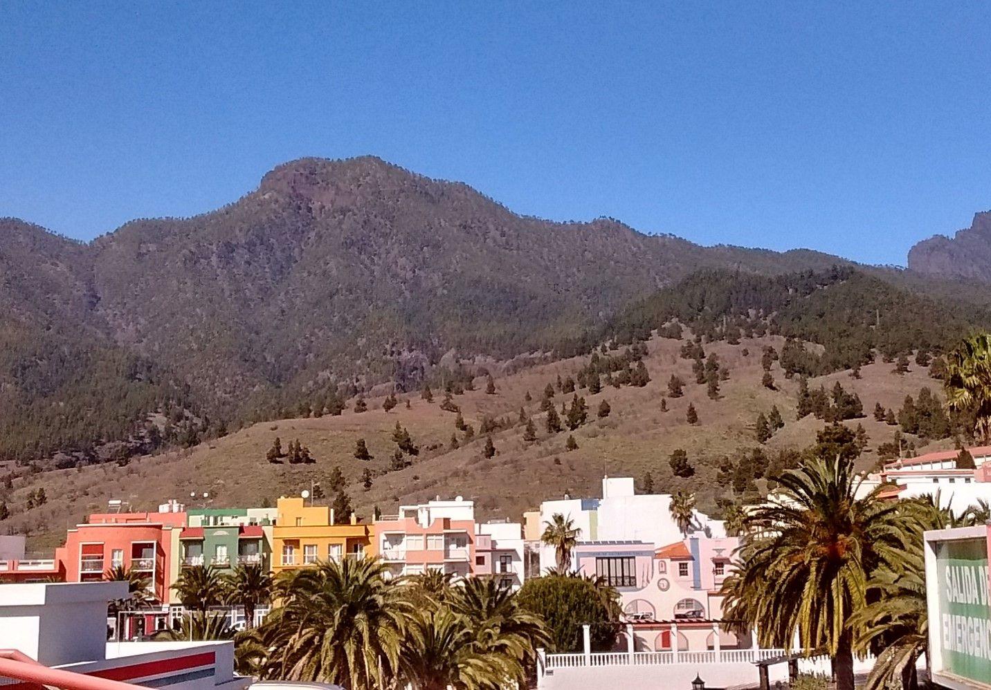 El Paso Town with ridge of La Caldera