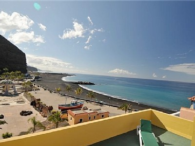 Beach apartments with balcony and sea view Tazacorte