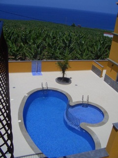 self-catering apartments with pool Tazacorte