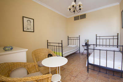 self-catering apartment with pool tazacorte