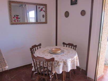 Apt Bianchi dining area