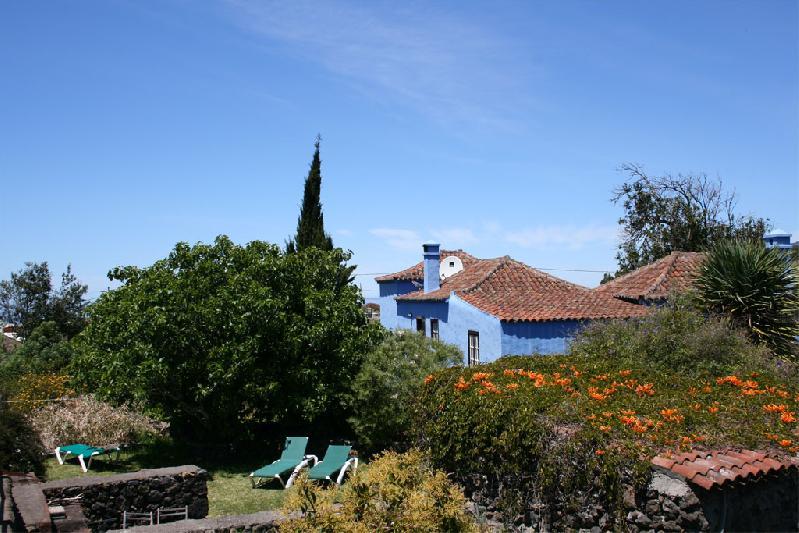 Casa La Higuerita exterior with garden