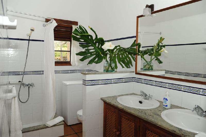 Casa El Rincon bathroom