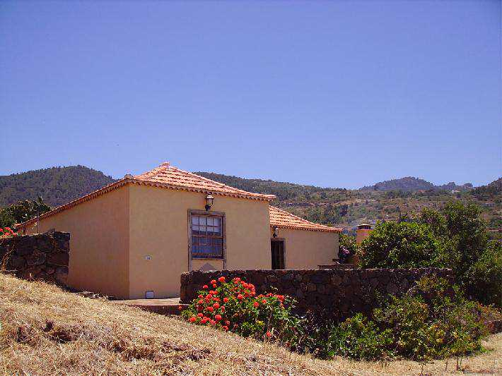 Casa Los Hondos side