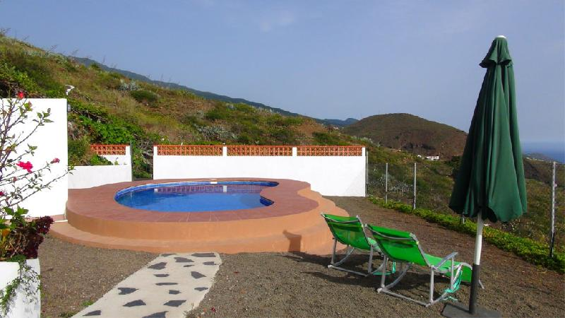 Casa Tomasin pool and view