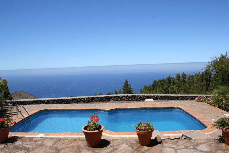 Casa la Verada pool view