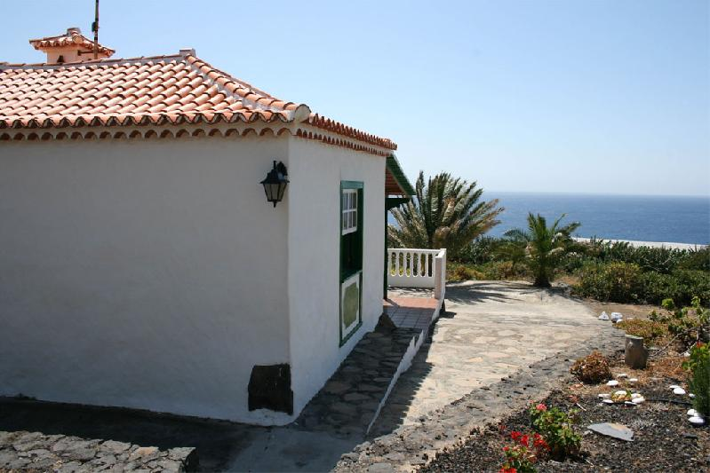 Casa Pancha Molina side and sea viedw