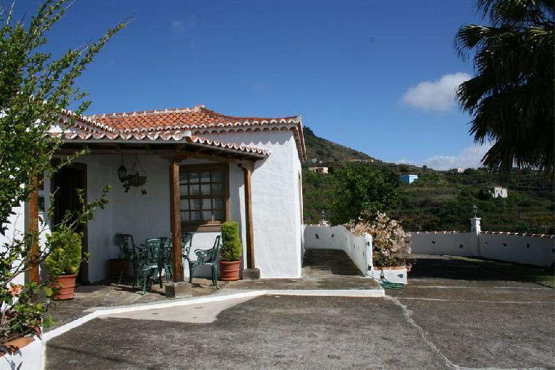 Casa Peluquina porch