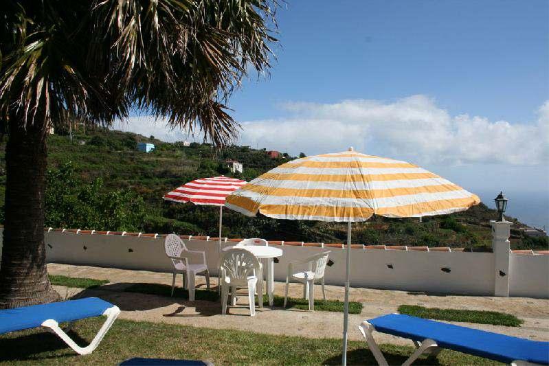 Casa Peluquina terrace and sea view