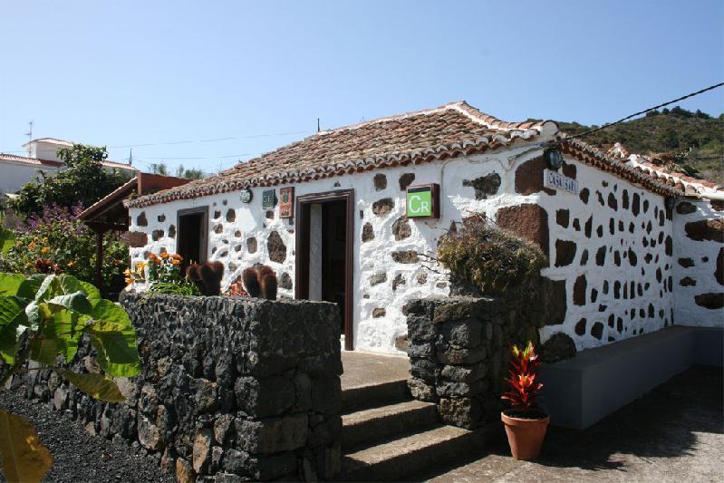 Casa Sara front side