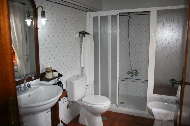 Casa Emiliana bathroom
