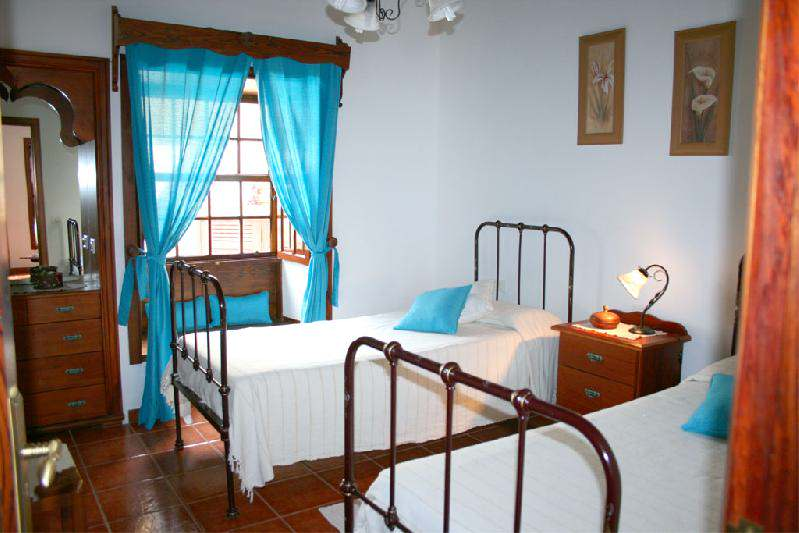 Casa Dos Aguas bedroom