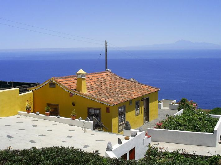 Casa Dos Aguas self-catering with sea view La Palma