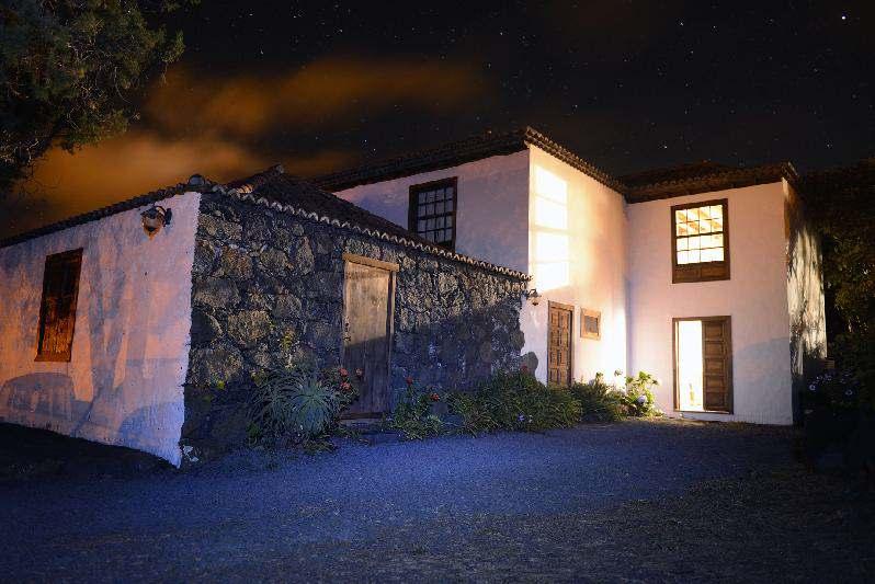 Villa Salazar at night