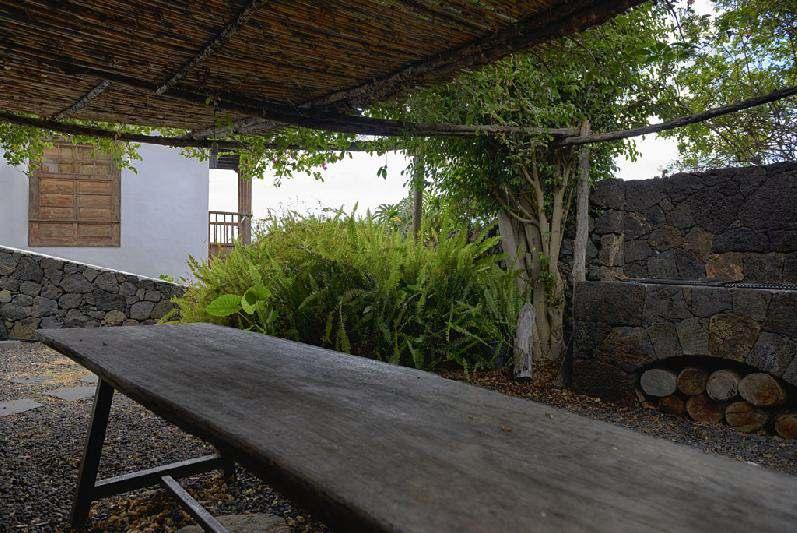 Villa Salazar BBQ table