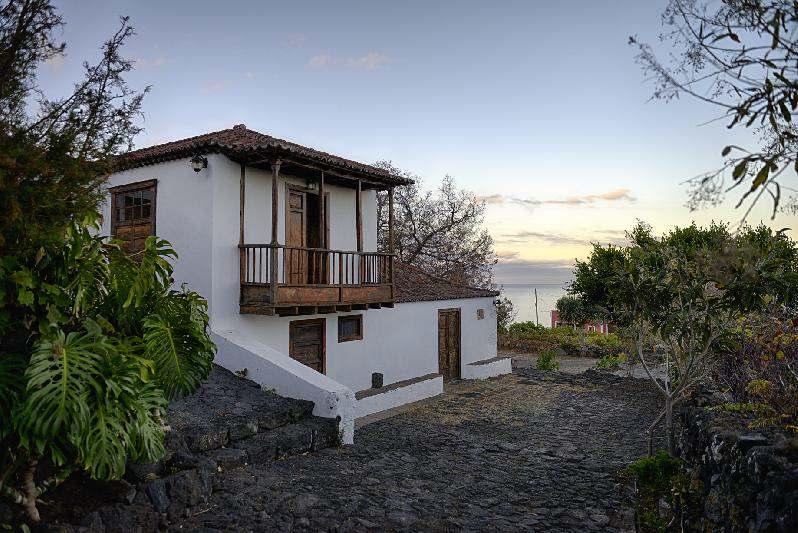 Villa Salazar side view