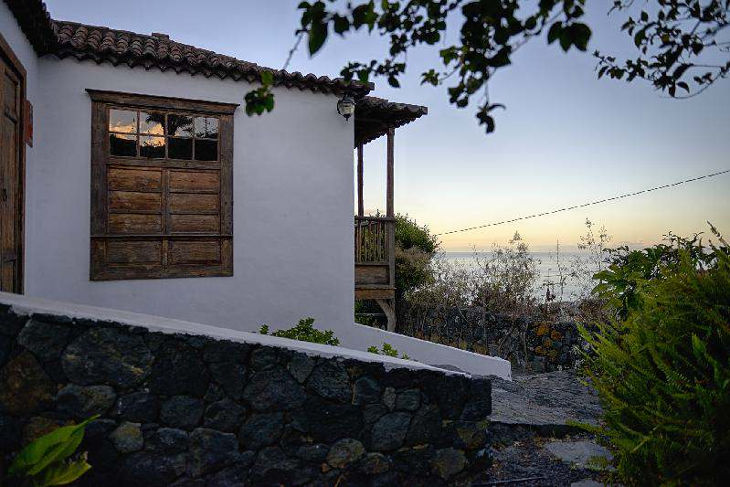Villa Salazar side with sea view