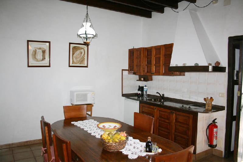 villa asuncion II kitchen