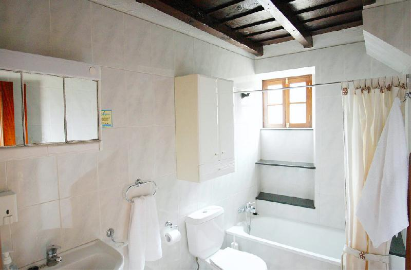 Casa Simon bathroom