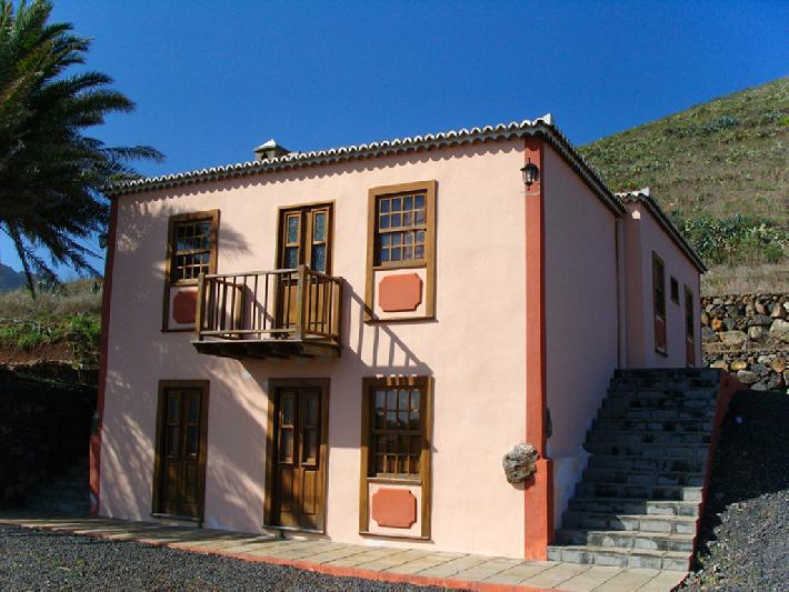 Casa Las Embelgas exterior - two floor