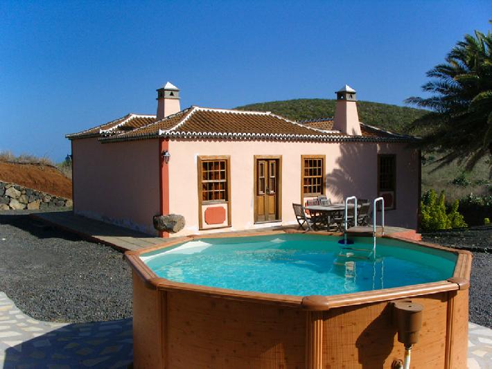 Rural house sleeps six with private pool la Palma